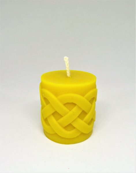 Bišu vaska svece ar vīto lenti